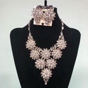 Sophia Luxury Necklace and Earring Set